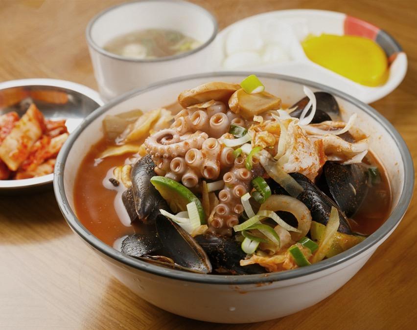 제철 해산물 활용 라면요리